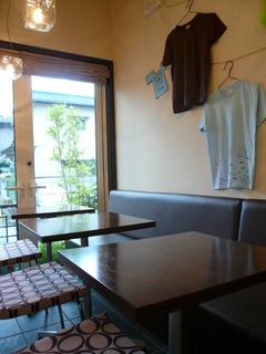 【ランチ】検見川浜・Cafe Nico/日店内の様子 2
