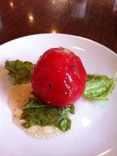 稲毛海岸・イタリア市場 トスカーナ/パスタランチ まるごとトマトサラダ